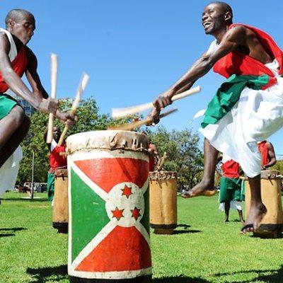 Les merveilles du plus beau pays BURUNDI : Danse rituelle et tambours royaux du Burundi
